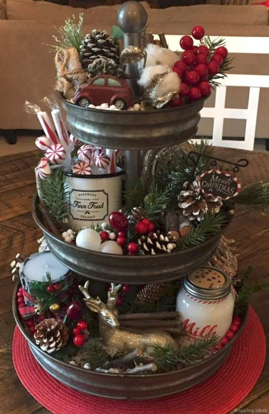 Pinecone and Berries Tiered Tray